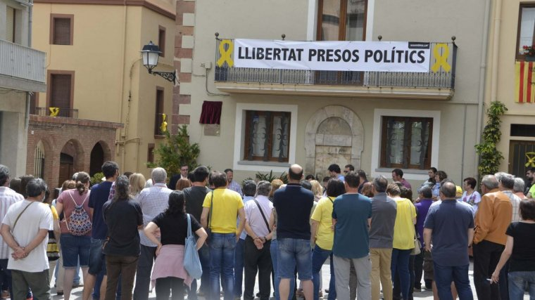 Acte d'inauguració de la plaça de l'1 d'octubre de Riudecanyes.