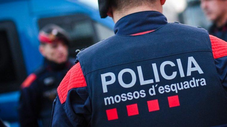 Dos agents dels Mossos d'Esquadra