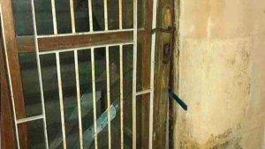Els dos individus van intentar forçar la porta d'un immoble a Reus