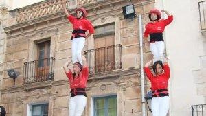 Els Minyons de l'Arboç en una actuació al seu municipi