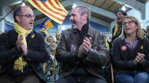 Eusebi Campdepadrós acompanyat del conseller Turull i d'Elsa Artadi, en un acte de JxCat a Tarragona.