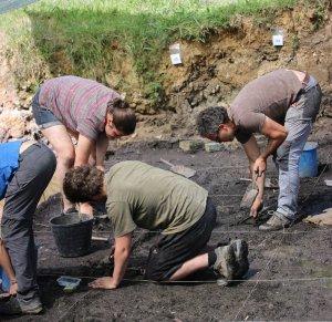 Excavacions a la Draga (Banyoles)