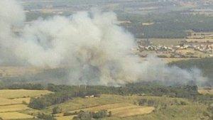Imatge de l'incendi que crema a Vilopriu