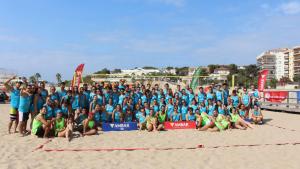 Imatge dels participants a la tercera edició de l'Open Multivòlei Torredembarra.