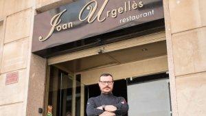 Joan Urgellès, a la porta del seu restaurant