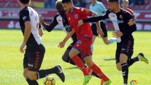 Manu del Moral jugant contra el Nàstic aquesta temporada a Los Pajaritos