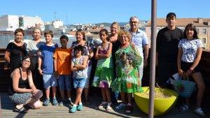 Nens i famílies del projecte 'Vacances en Pau'