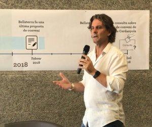 Ramon Andreu durant l'explicació