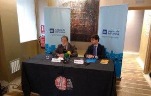 Ramon Folch i Antoni Capella durant la presentació de l'Informe de Sostenibilitat 2017 d'Agbar