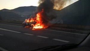 Segons ha informat un usuari, el vehicle s'ha incendiat al punt quilomètric 7 de l'autovia C-17