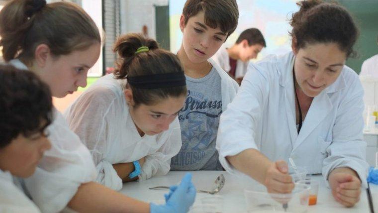 Alguns dels estudiants participants en el primer torn de l'URV Summer Lab.