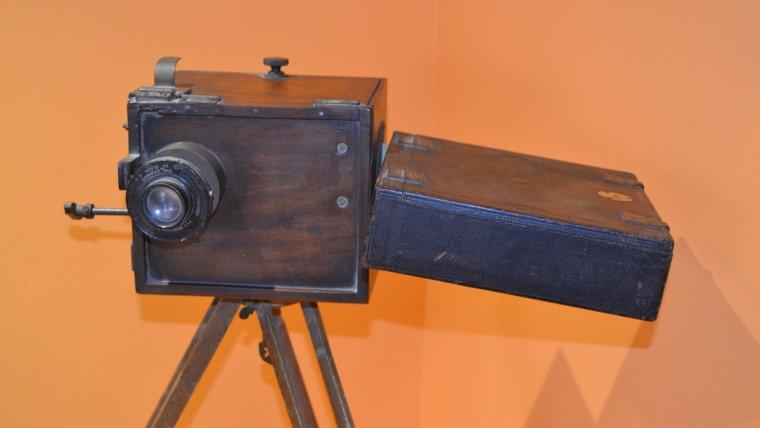 Màquina de projecció de principie del segle XX, una autèntica peça de museu