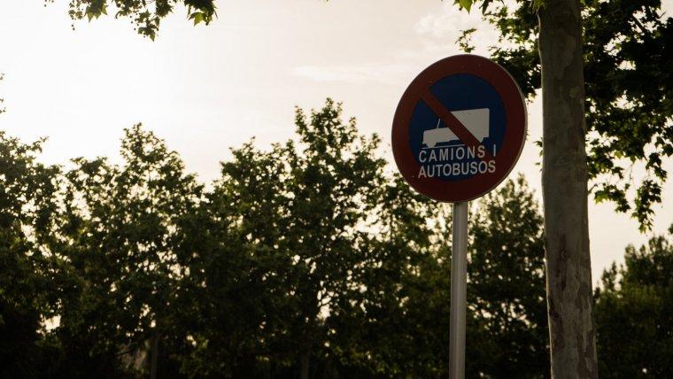 Senyal Prohibit camions i autobusos