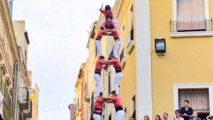 2de8 sense folre descarregat per la Colla Vella dels Xiquets de Valls al 70è aniversari dels Castellers de Vilafranca