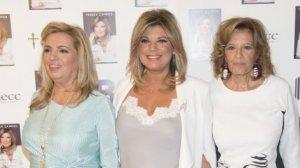 Carmen Borrego, Terelu Campos y María Teresa Campos ante las cámaras