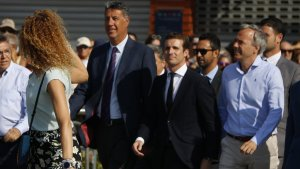 El president del PP, Pablo Casado, i el del PP català, Xavier Garcia Albiol, arribant aquest dissabte a Cambrils.