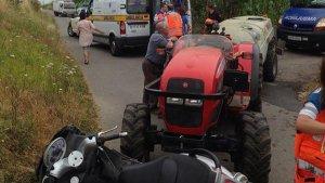Imagen de archivo de un accidente entre una moto y un tractor