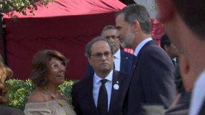 Imatge de Joaquim Forn i Laura Masvidal amb el rei Felip VI
