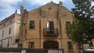 Imatge de l'edifici malmès a l'Argilaga.