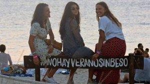 La hija de Fran Rivera y Eugenia Martínez de Irujo viajó con sus amigas en este verano.