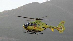 La mujer ha tenido que ser trasladada en helicóptero