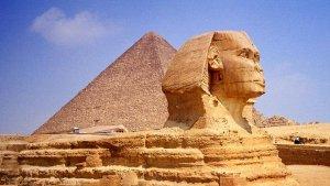 Les piràmides i l'Esfinx, amenaçats.
