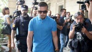 Miguel Ángel Boza ha quedat detingut per robar unes ulleres de sol i posteriorment intentar atropellar un vigilant de seguretat