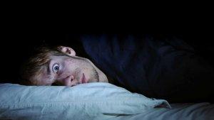Te explicamos en qué consiste la parálisis del sueño y cuáles son sus causas.