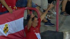 Un aficionat del Nàstic va demanar el VAR quan va marcar el Tenerife
