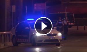 Un cotxe dels Mossos a la zona on es va abatre el cinquè terrorista de Cambrils.