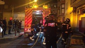 Un incendio en Villaverde deja dos heridos, uno de ellos grave.