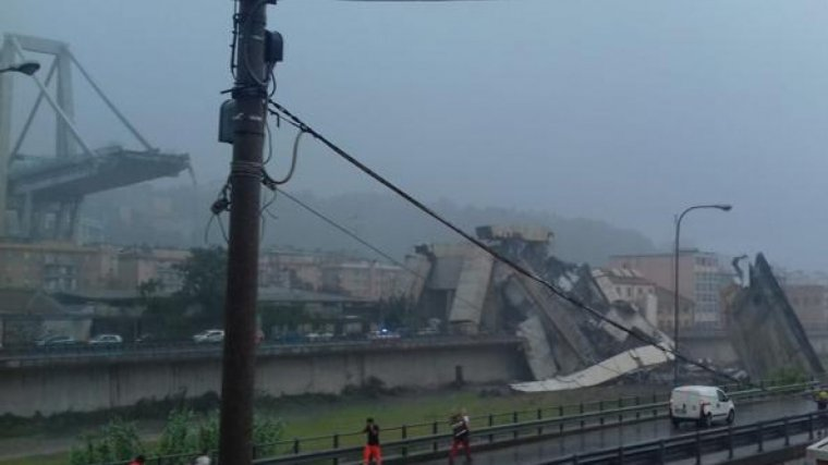 El pont ha quedat completament destrossat.