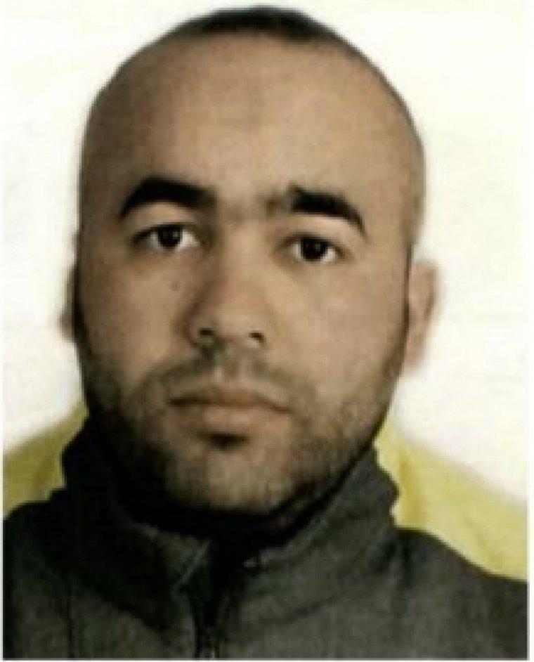 Imatge dels terroristes que volen atemptar a Europa difosa entre els Mossos