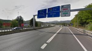 Autopista Ap-8 sentido Bilbao, en el municipio de Galdakao, Vizcaya.