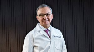 Doctor en oncología José Baselga