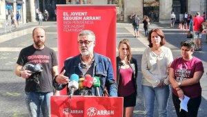 El diputat de la CUP Carles Riera és un dels representats d'entitats i partits sobiranistes que ha fet la crida
