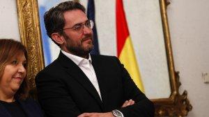 El periodista recibiendo su cargo como Ministro de Cultura y Deporte de España, en el que estuvo apenas seis días.