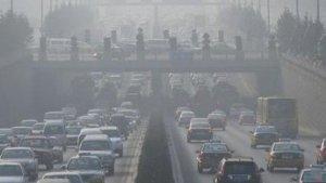 Imagen de la contaminación en una carretera