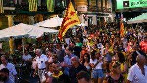 La manifestació de l'Esquerra Independentista del Camp s'ha fet sentir al centre de Reus