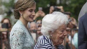 La reina Letizia junto a su abuela, Menchu