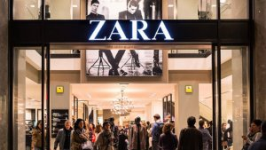 Zara es una de las tiendas que ha puesto en marcha la revisión exhaustiva de su etiquetado