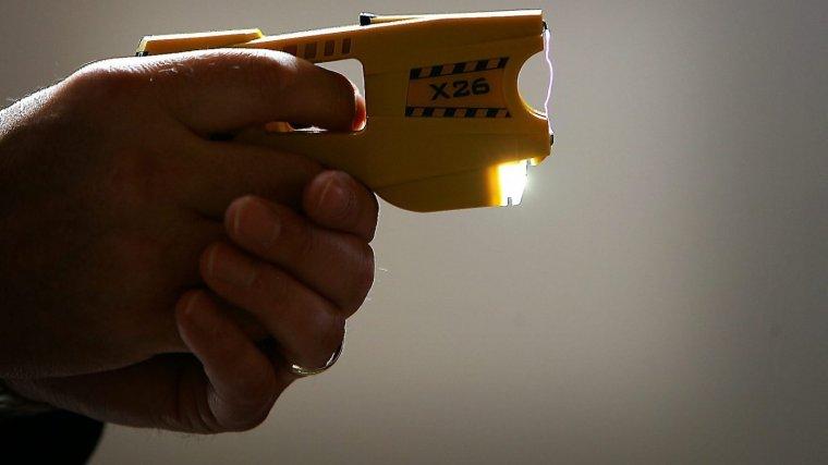L'X26 és un dels models de pistola elèctrica més habituals de la marca Taser