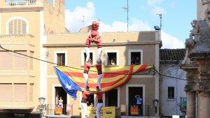 2de8 sense folre descarregat de la Colla Joves Xiquets de Valls a la Fira de Santa Teresa de l'any passat