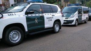 Agents del GRS a Maçanet de la Selva, durant els escorcolls.