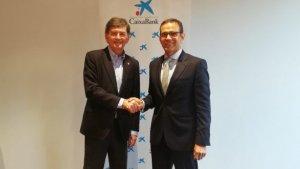 Andreu i Masana després de signar l'acord de renovació entre ambdues entitats
