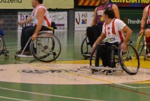 Cervera crea una escola de bàsquet amb cadira de rodes