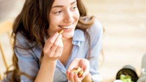 Comer frutos secos ayuda a ralentizar la absorción del azúcar