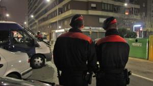 Dos agents de l'ARRO de Mossos, en una imatge d'arxiu.