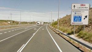 El accidente entre cuatro vehículos habría tenido lugar en este punto de la carrereta N-232 a la altura de Calahorra, La Rioja.