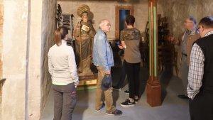 El cambril de Sant Magí durant una visita guiada.